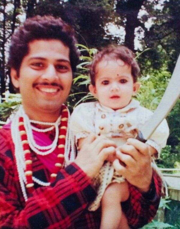 Childhood Photo of Jaya Kishori with her father