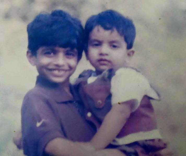 Childhood Picture of Neeraj Madhav and His Brother