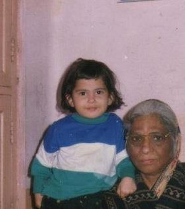 Jaya Kishori with her Grandmother