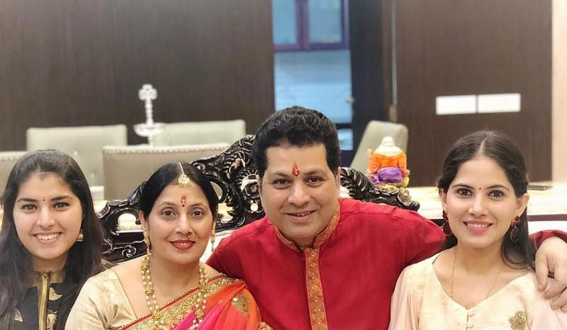 Jaya Kishori with her family