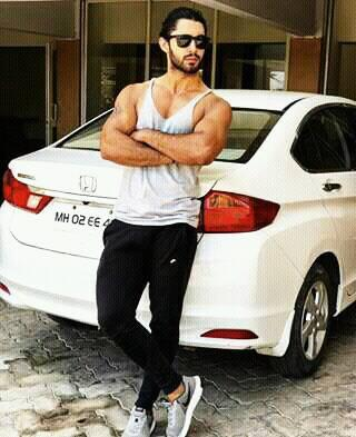 Laksh Lalwani with his car