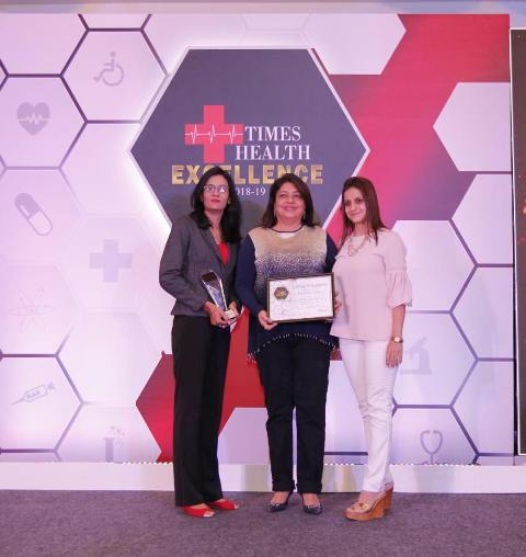 Madhu Chopra with Excellence In Aesthetics Award