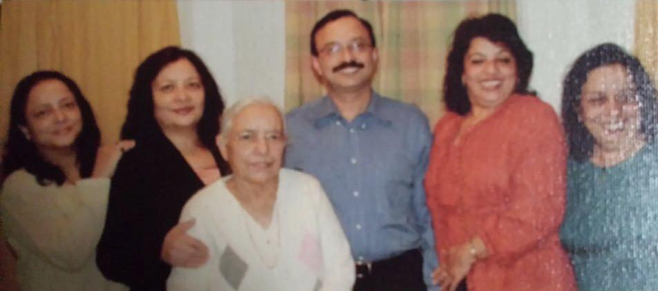 Madhu Chopra with her mother and siblings