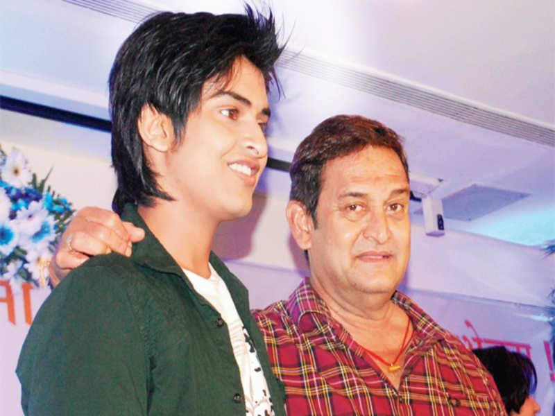 Mahesh Manjrekar with his son
