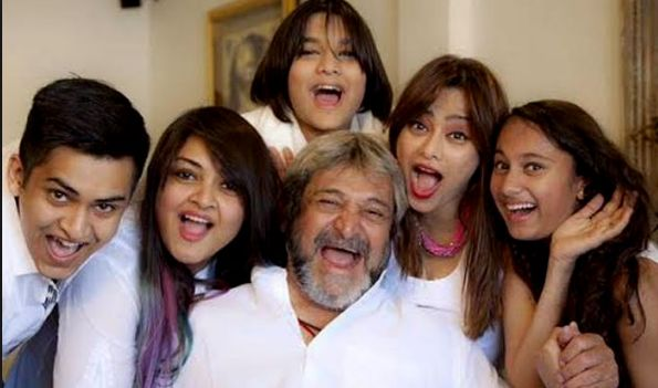 Mahesh Manjrekar with his family