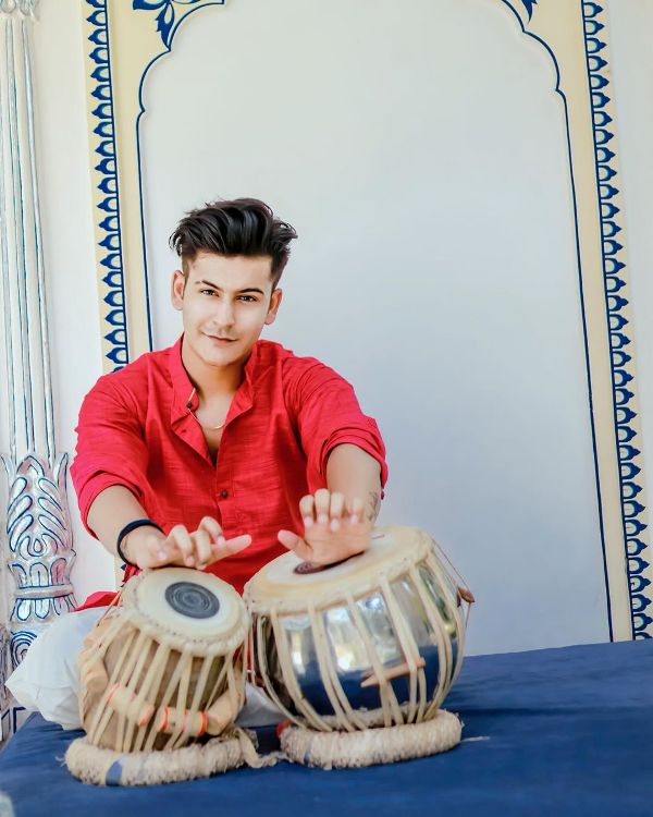 Manjul Khattar playing the Tabla