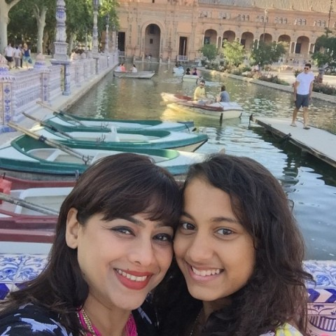 Medha Manjrekar with her daughter Gauri Ingawale