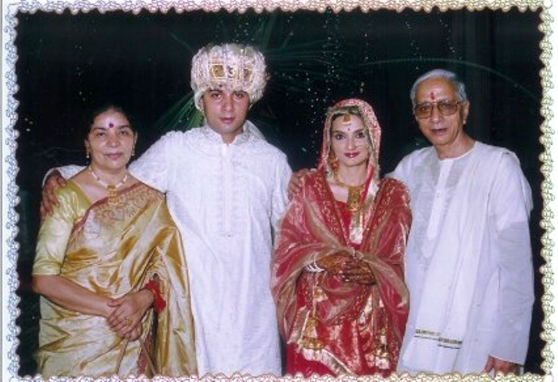 Varun Badola with His Parents and wife