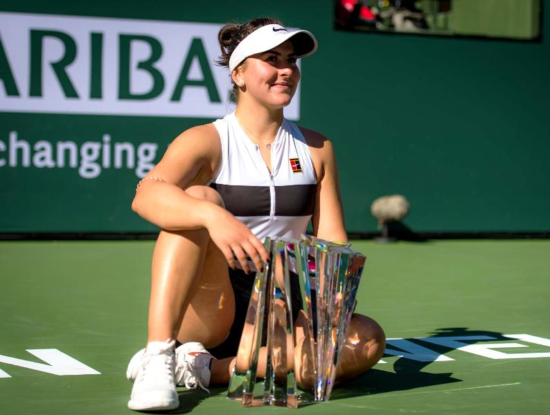 Bianca Andreescu with her BNP Paribas Open Trophy