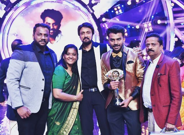Chandan Shetty as the winner of Bigg Boss Kannada 5
