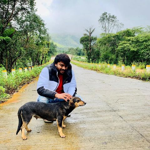 Chandan Shetty loves dogs