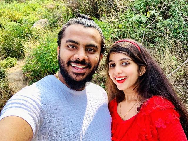 Chandan Shetty with his girlfriend