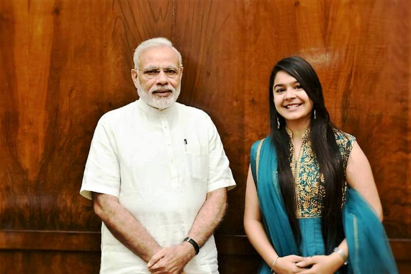 Khushali Vyas with PM Narendra Modi