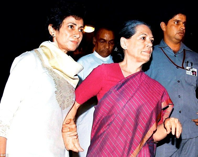 Selja Kumari accompanying Sonia Gandhi to the hospital