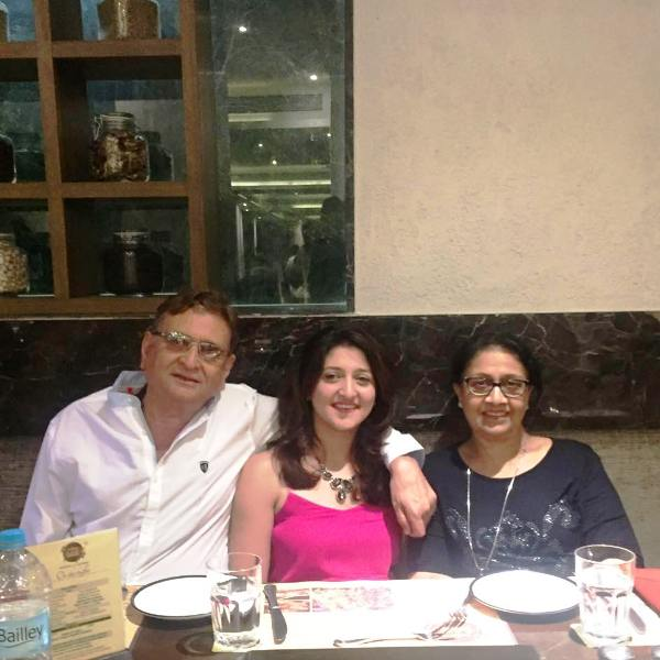 Shefali Jariwala's Parents and Sister