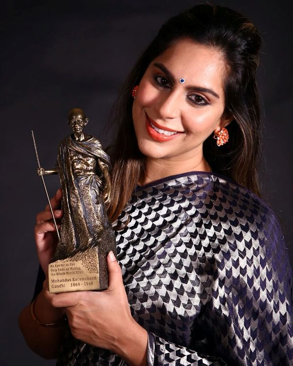 Upasana Kamineni with Mahatma Gandhi Award