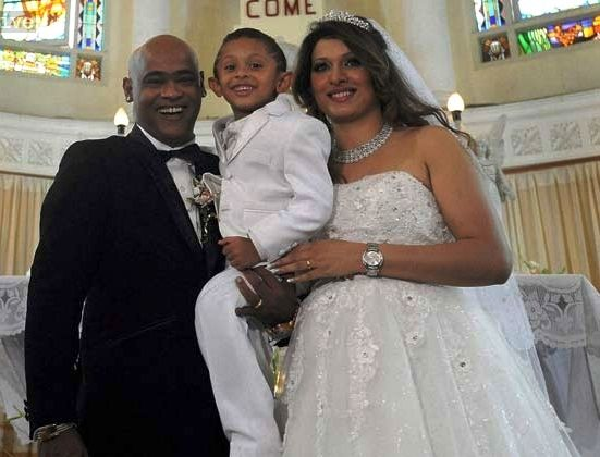 Vinod Kambli with his second wife and son