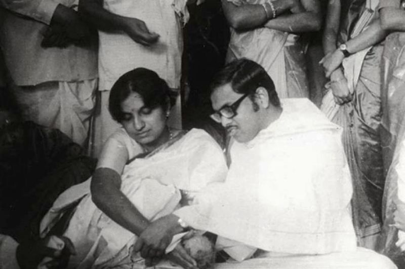 A Marriage Picture of Sudha Murthy and N. R. Narayana Murthy