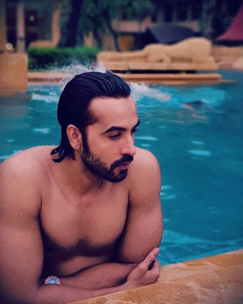 Arhaan Khan inside the pool