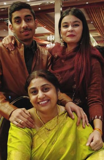 Chetna Bhardwaj with her mother and brother