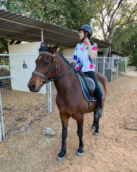 Evelyn Sharma riding the horse