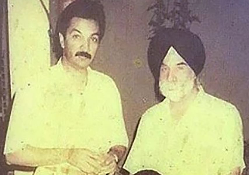 Jagjit Singh Bhavnani with his father