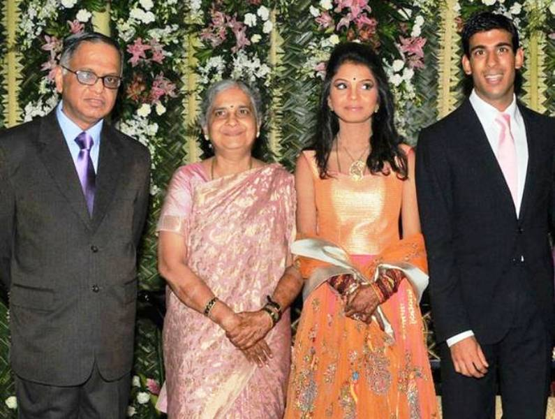 Narayana Murthy with His Wife, Daughter- Akshata Murthy and Son-in-Law- Rishi Sunak