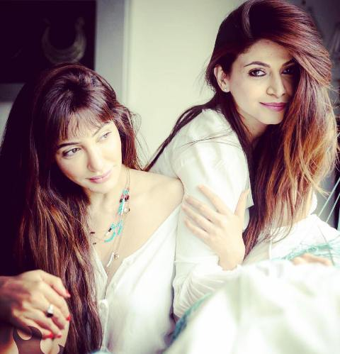 Reyhna Malhotra with her sister