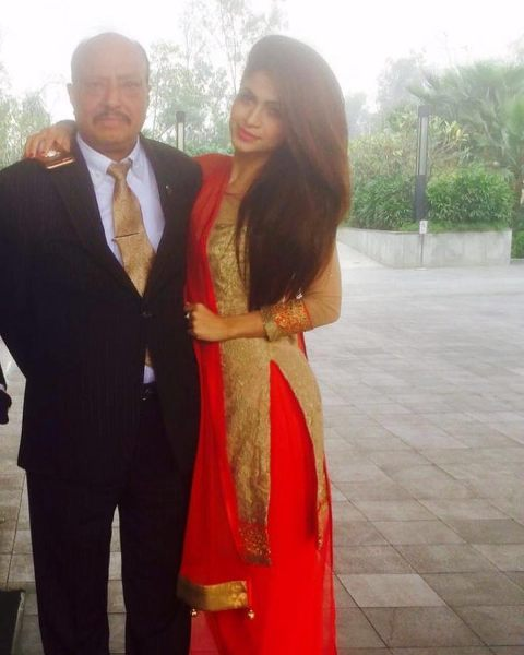Reyhna Malhotra with her father