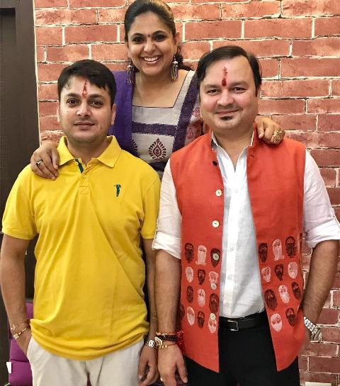 Richa Anirudh with her brothers