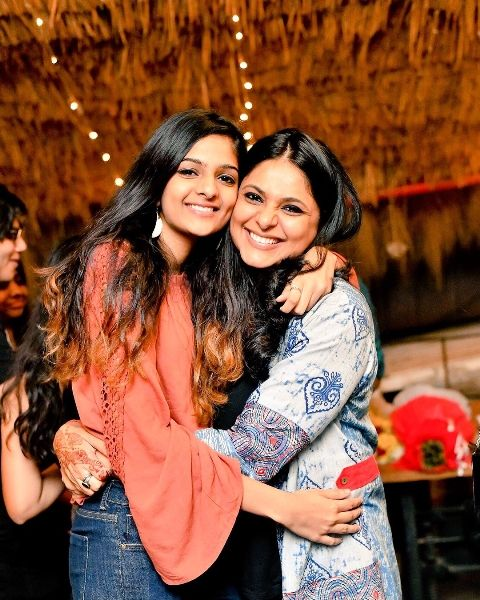 Richa Anirudh with her daughter