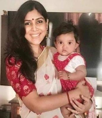 Sakshi Tanwar with her daughter