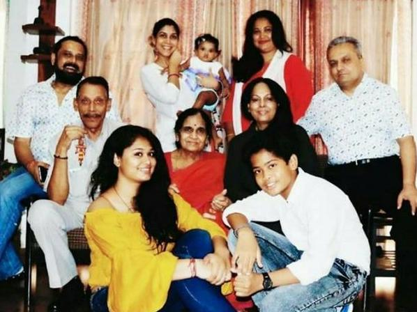 Sakshi Tanwar with her family