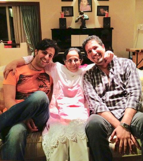 Salim Merchant with his mother and brother