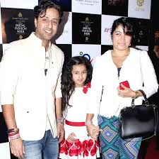 Salim Merchant with his wife and daughter