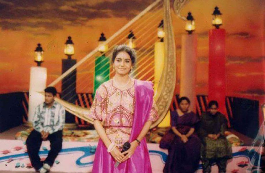 Sunitha Upadrashta giving a live performance in TV