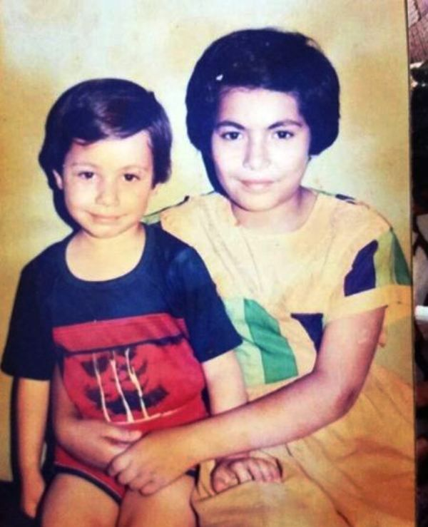 A Childhood Picture of Maanvi Gagroo with Her Sister