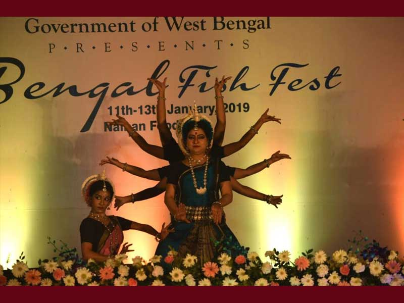 Dona Ganguly performing at Bengal Fish Festival