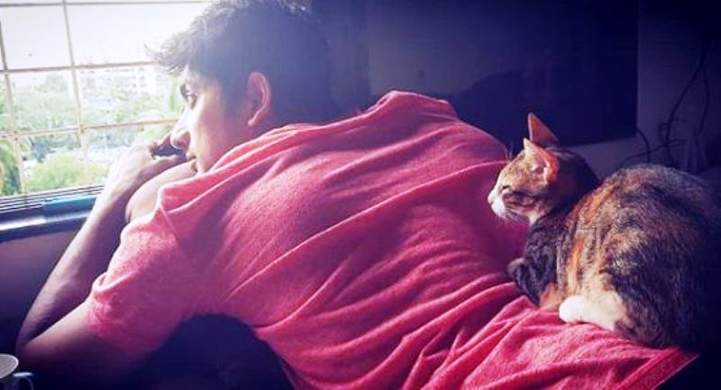 Fahmaan Khan with His Cat