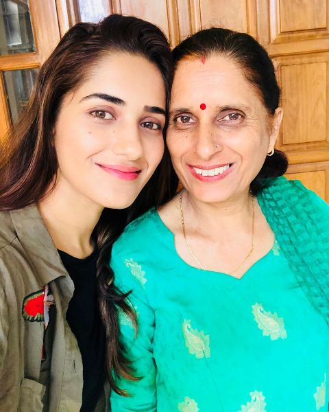 Ruhani Sharma with her mother