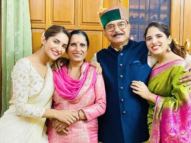 Ruhani Sharma with her family