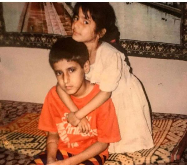 Saloni Chopra in a Chilhood Photo with her Brother