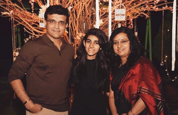 Sana Ganguly with her parents