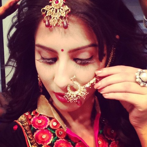 Sheetal Thakur getting ready for her jewellery shoot