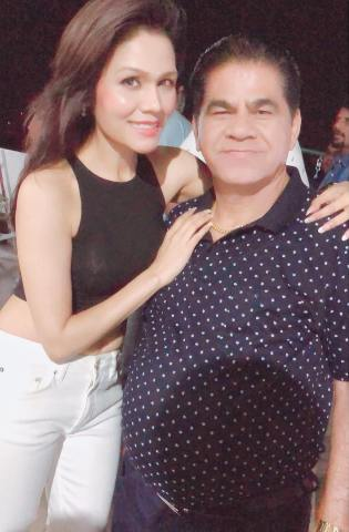 Sonu Kakkar with her father