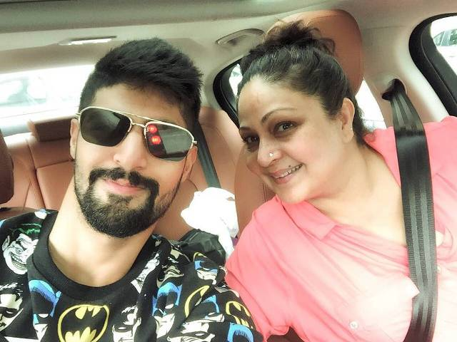 Tanuj Virwani with his mother