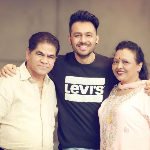 Tony Kakkar and his parents