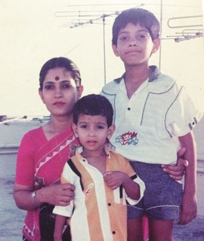 Vikrant Massey with his mother and brother