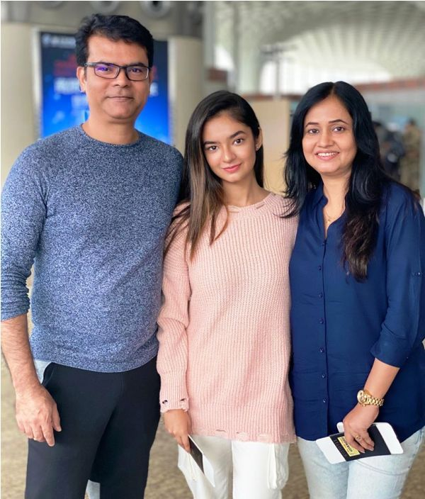 Anushka Sen and Her Parents