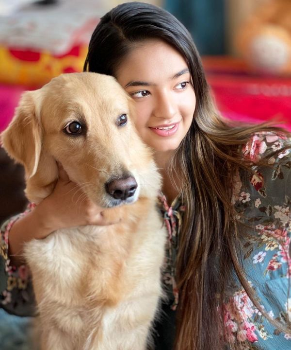 Anushka Sen with Her Pet Dog